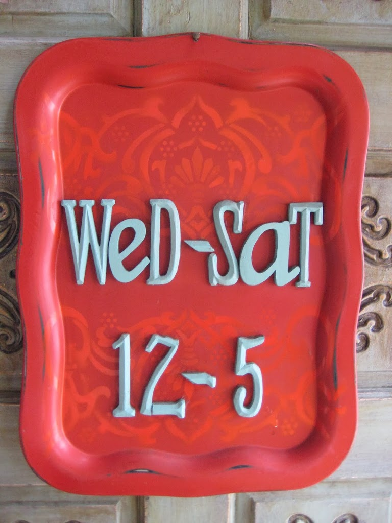 stenciled tray message board