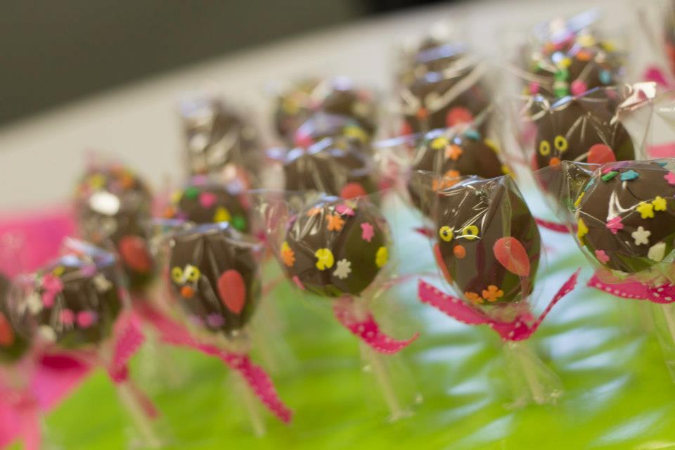 owl cake pops for owl birthday theme