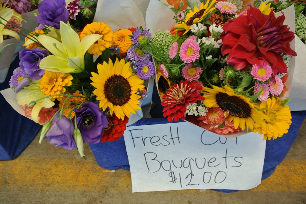 Fresh cut bouquets- Farmers Market with Living With Color Designs