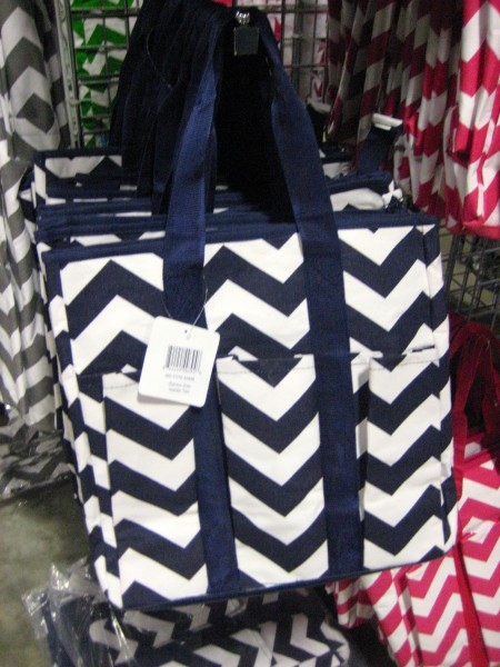 Bargain Chicks Navy Chevron Tote with pockets