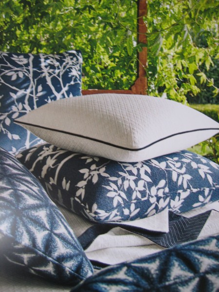 Navy And Off White Outdoor Pillows - Living With color Designs
