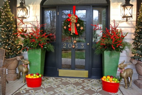 Winterberry Welcome- Entry decorations for Christmas using winterberry