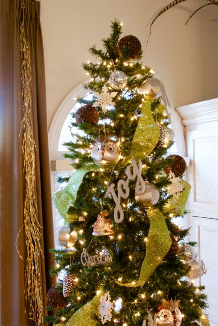 Woodland christmas theme and a new years welcome living Brown and gold christmas tree