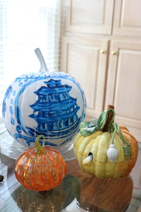Chinoiserie Pumpkin: Living With Color Designs Blog- Pumpkins on display