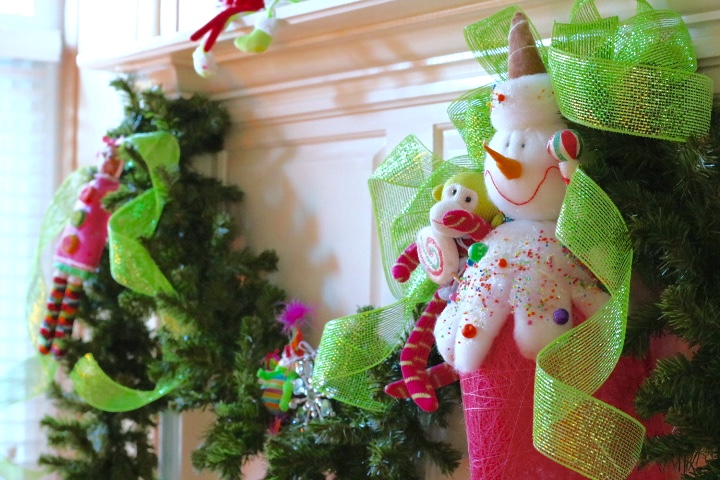 5 Easy Steps To Decorating A Christmas Garland: Living With Color Designs Blog- Kid Perfect theme